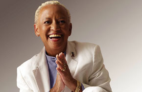 Nikki Giovanni &#8211; <em>Chasing Utopia: Poems</em>